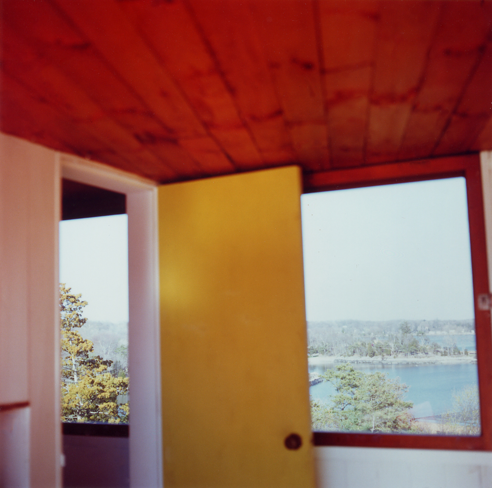 Guest House Right Room, 2003